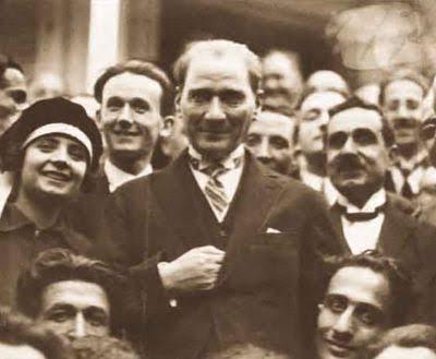 Cumhuriyetin Kurucu Lideri Mustafa Kemal'i Ölümünün 78. Yılında Saygıyla Anıyoruz...